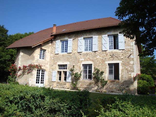 Maison de caractère en Dauphiné - Sermérieu