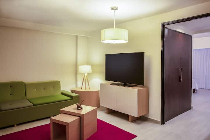 Luxurious Junior Suite Double Bed At Expo