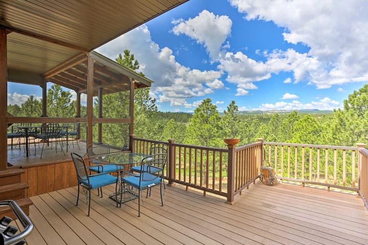 Hermosa Home w/ Blackhills View, Gas Grill & Deck!
