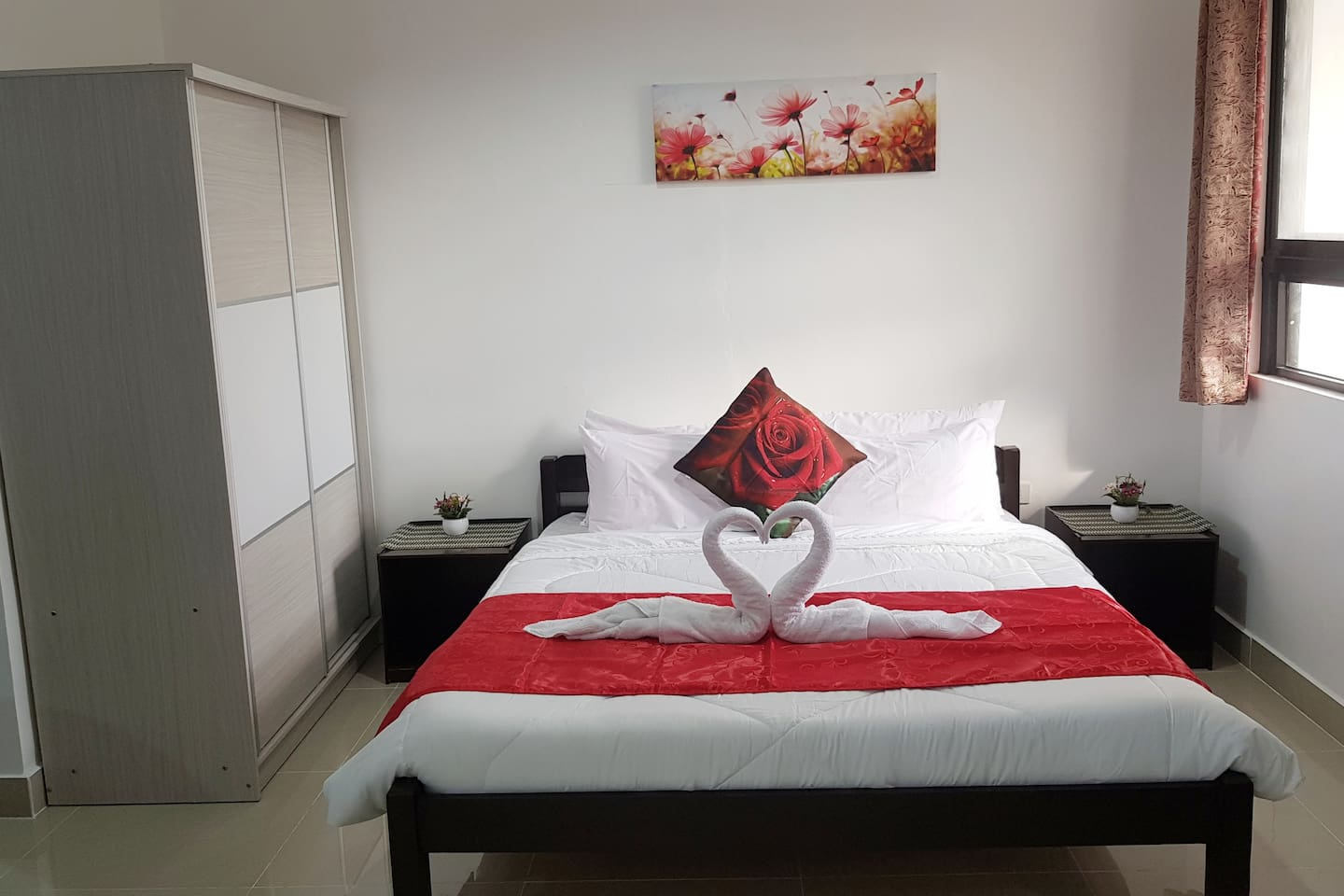 Main king size bed