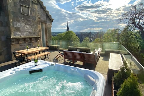 Knowehead Penthouse Apartment with Rooftop Hot Tub