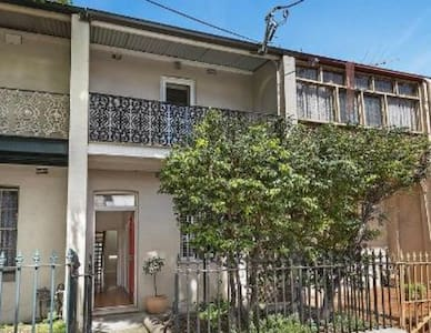 Comfy & clean dbl bdrm in Pyrmont - Ultimo