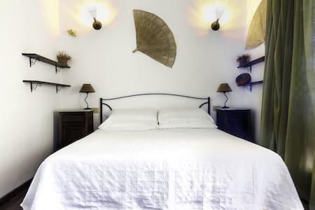 Suite, private Bathroom & Terrace, beach 100mt far