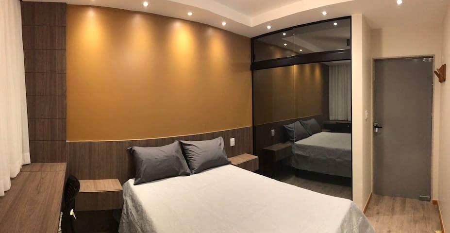 Confortável colchão de molas ensacadas é uma decoração belíssima!