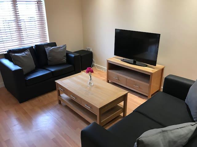 Keswick House - 2 bedroom Apt (City Centre)