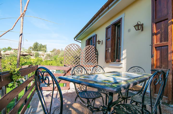 House with 2 bedrooms in Lido di Noto, with furnished terrace and WiFi - 300 m from the beach
