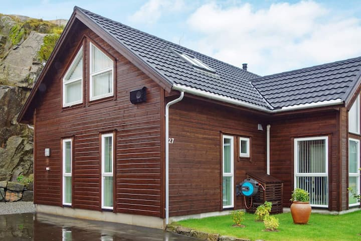 10 person holiday home in LYNGDAL