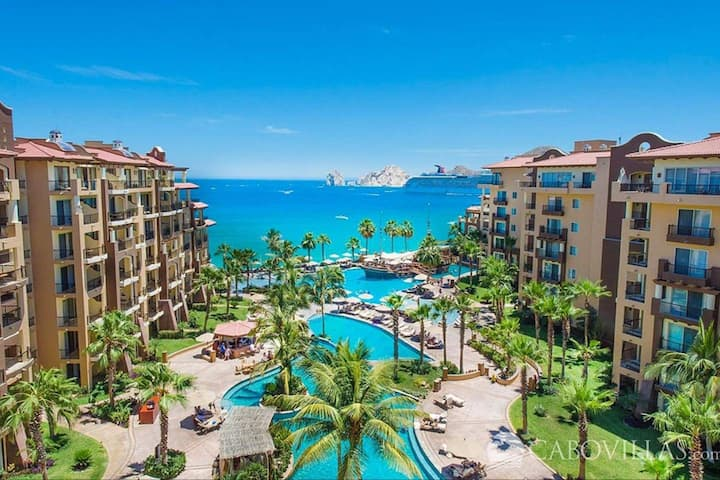Holidays in Cabo-Luxury Beachfront 1 Bd/2 BA Suite