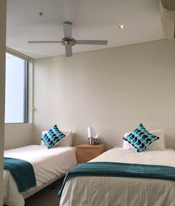Private room in luxury apartment - Southport - Appartement