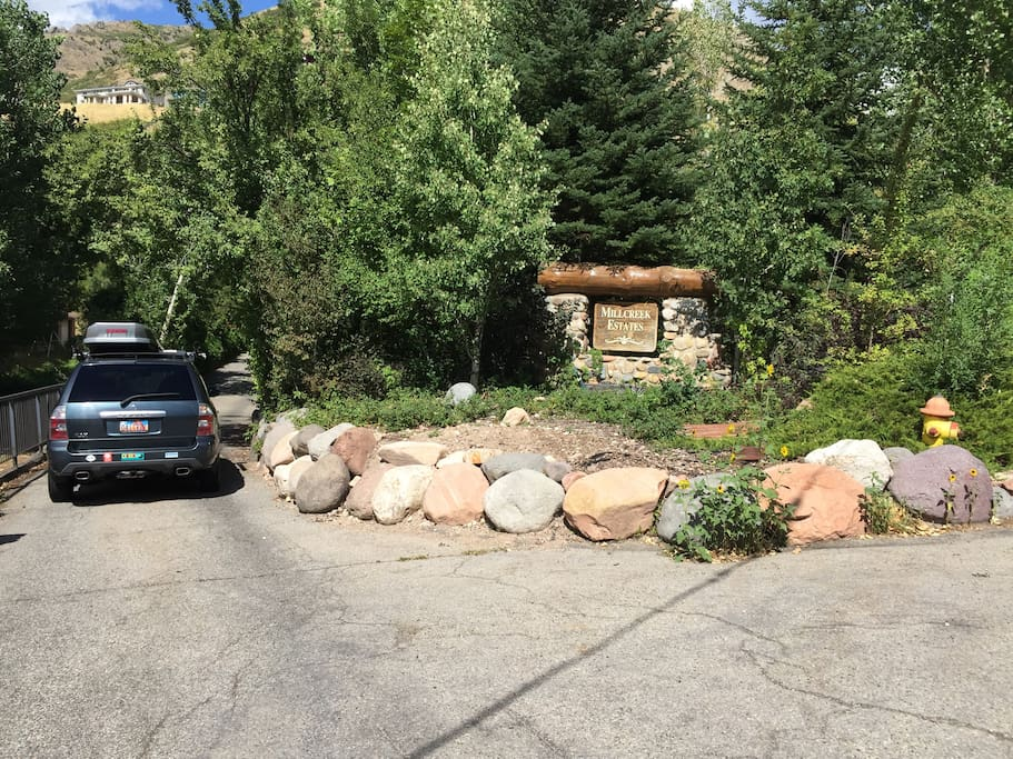 This is the driveway entrance you're looking for - on the left as you go up canyon.
