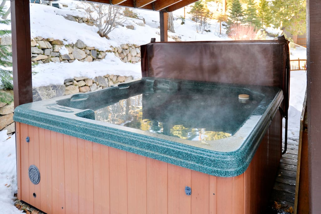 Your own private hot tub on the upper deck!
