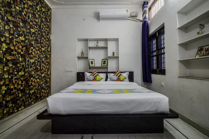 OYO - Spacious 3BHK Home Stay in Udaipur-Exclusive Offer!