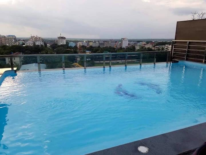 Two Bedroom Apartment With Infinity Swimming Pool