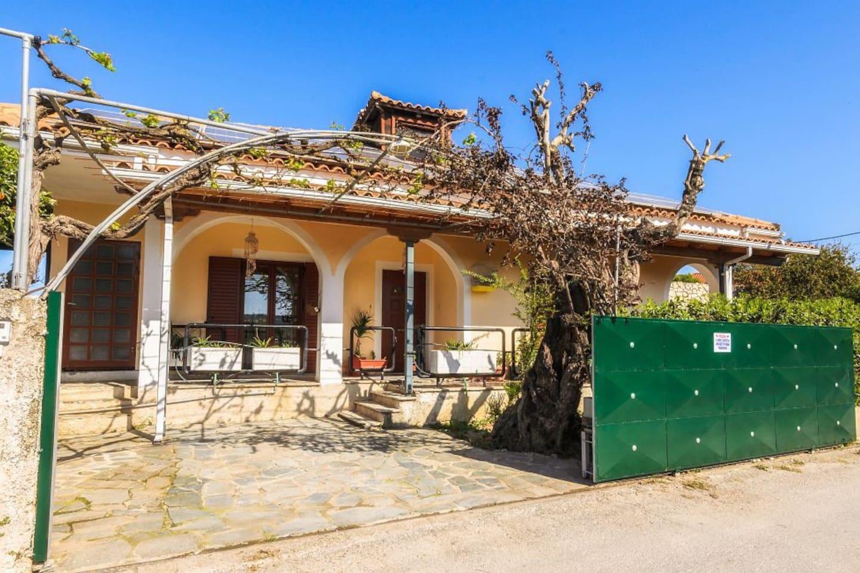 Koronios-2 bedroom holiday home