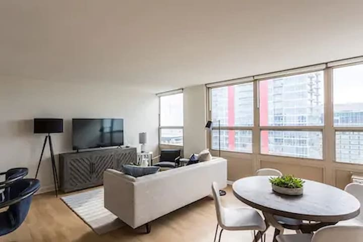 The Hive 1Bedroom Apartment near McCormick Place