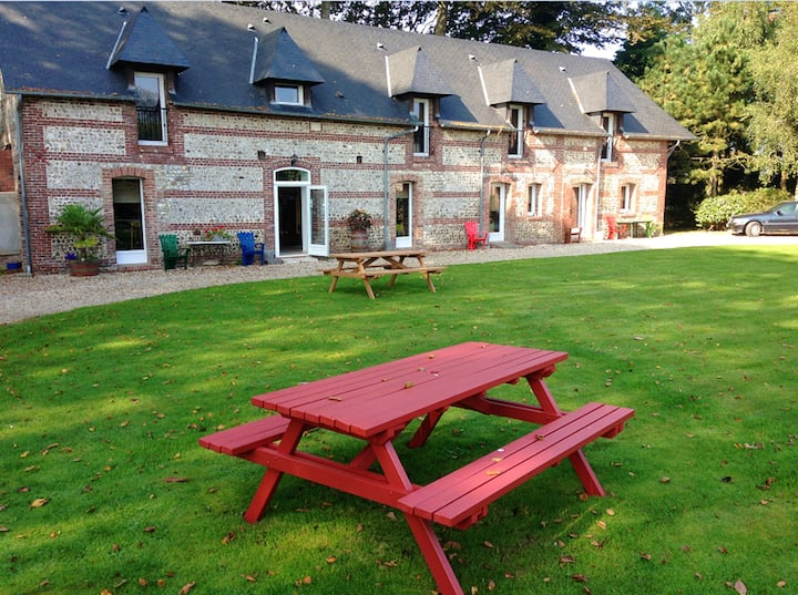 House with one bedroom in Saint-Léonard, with furnished garden and WiFi - 2 km from the beach