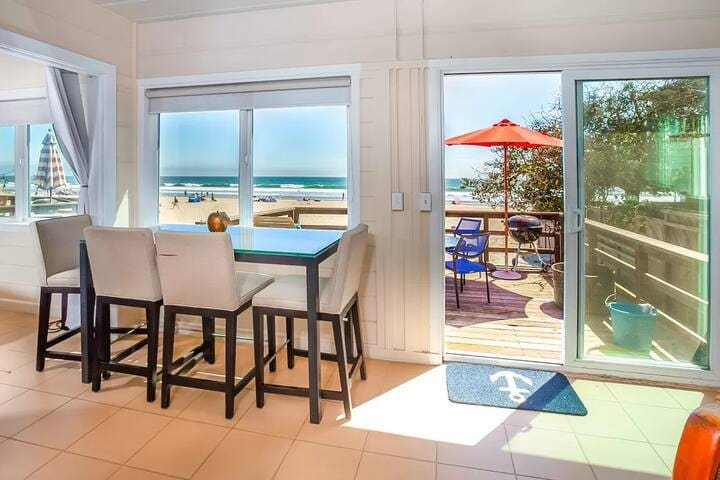 Delightful Oceanside Cottage w Private Beach Lot