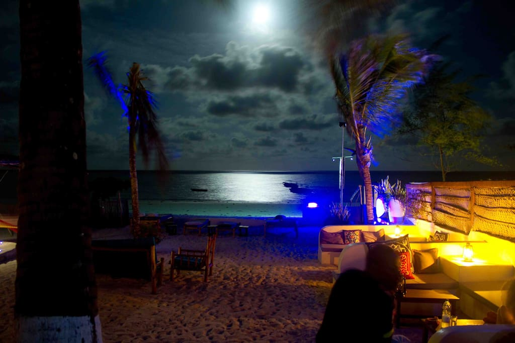 Moon rise over Ocean Restaurant