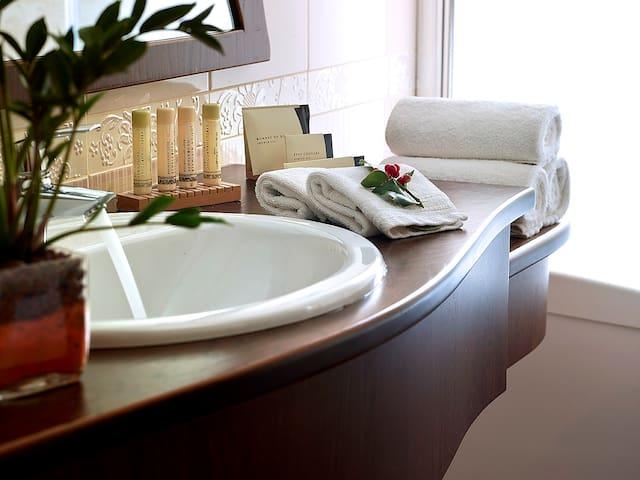 King Suite - Stevalia Boutique Hotel & Spa
