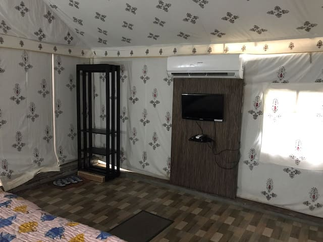 luxury ac tents