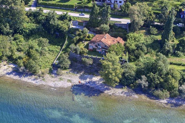 Elegant villa on the shores of Lake Maggiore! - Leggiuno - Villa