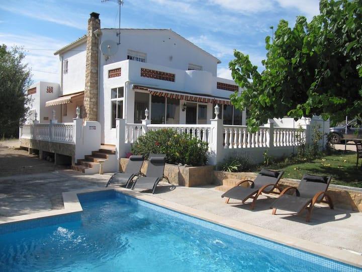 L'Ampolla, villa met zwembad en zeezicht