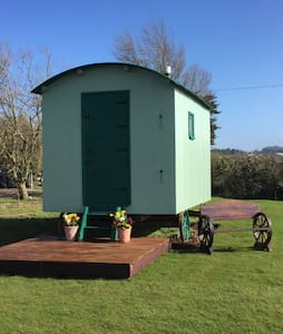 Nutkins Retreat - Isle of Wight - Hut