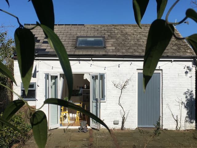 The Annexe@Old Tile Studio, The South Downs