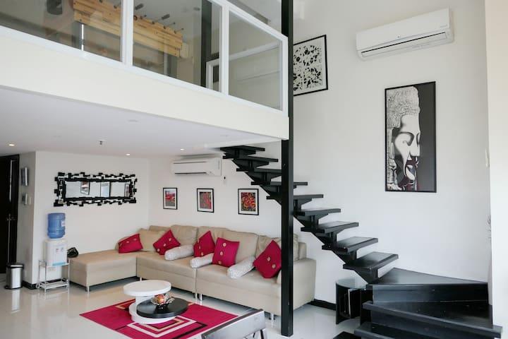 Designer's Corner Crib | Jacuzzi | City View