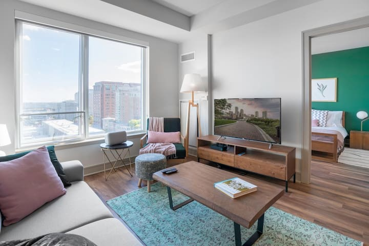 Luxurious Apartment with a water view in seaport