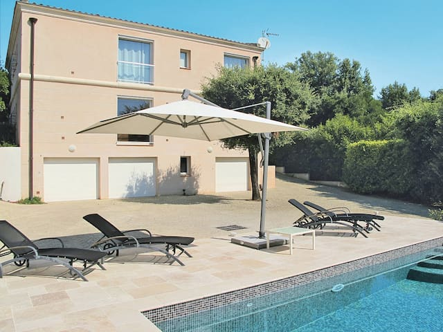 Holiday apartment in Le Tignet for 4 persons