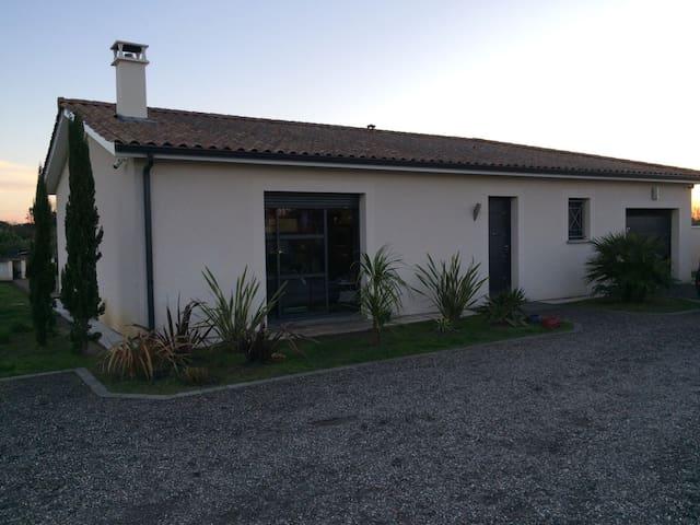 Maison contemporaine - Beychac-et-Caillau - Huis