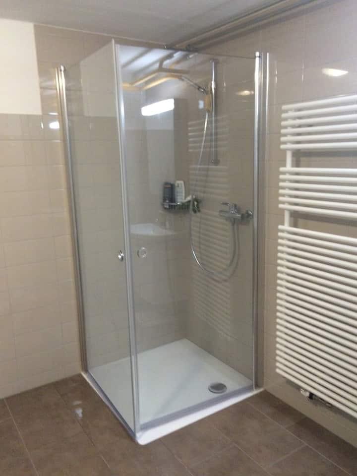 Einzelzimmer - Dusche/Toilette auf Etage