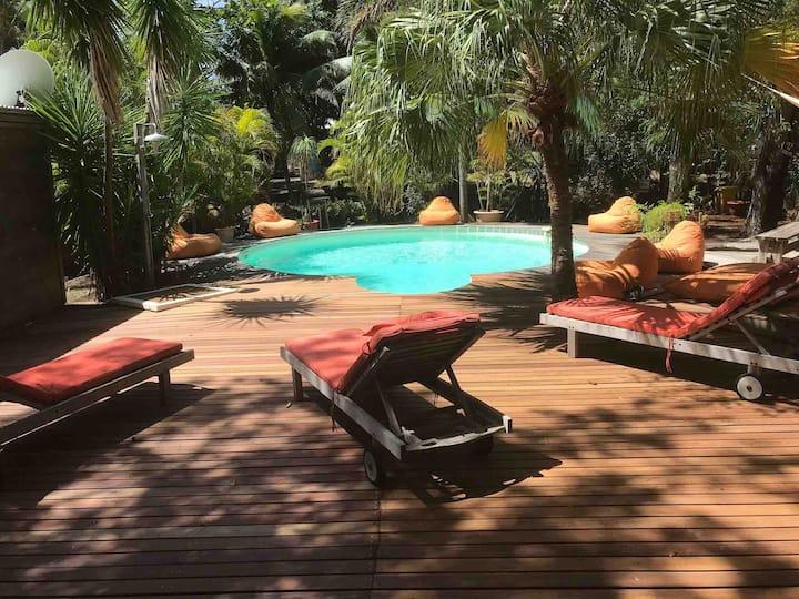 Maison avec piscine au Cap est