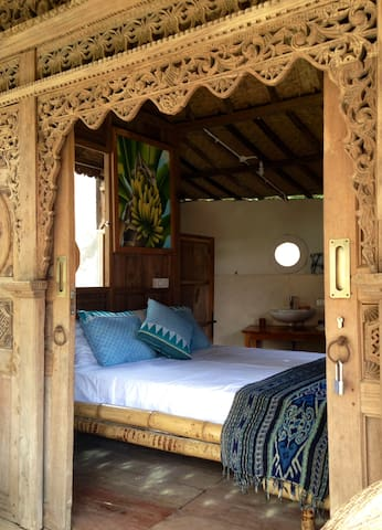 Yoga retreat in the Jungle, only 1 km to beach.  1 - North Lombok Regency - Wohnung
