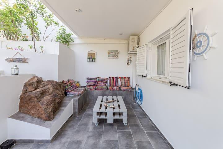 Athena΄s House Sounio Beach Front