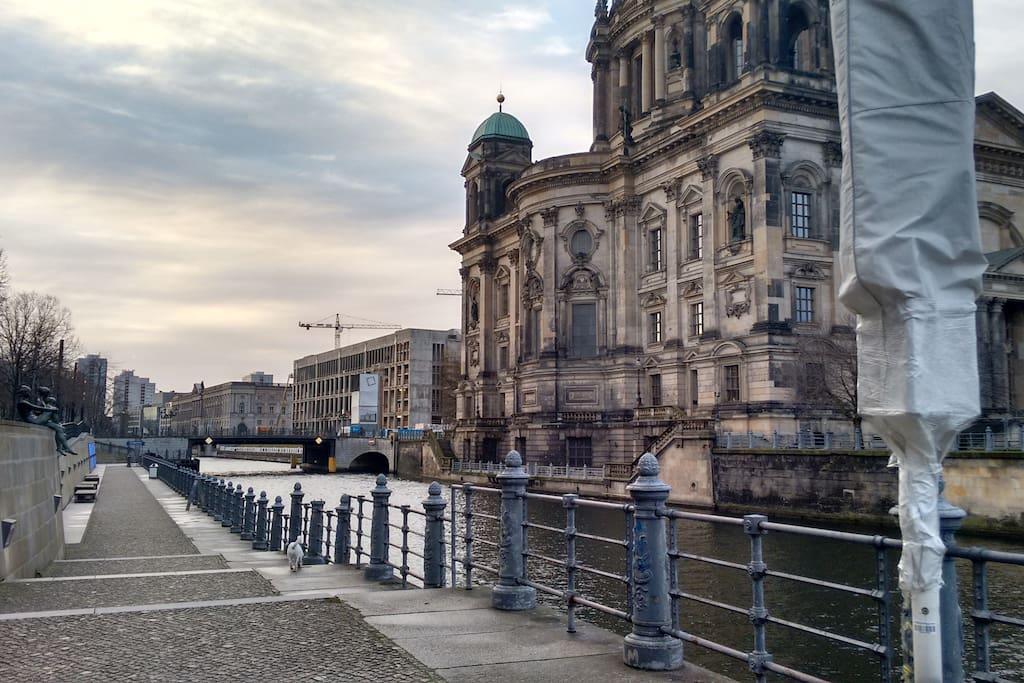 sch ne einzimmerwohnung in mitte wohnungen zur miete in berlin berlin deutschland. Black Bedroom Furniture Sets. Home Design Ideas