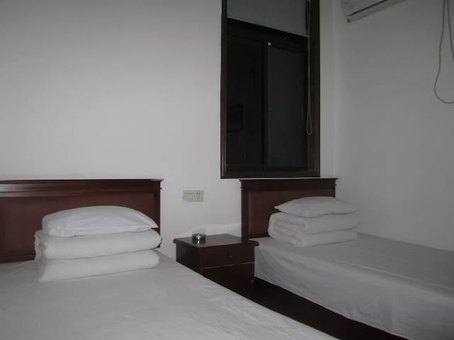 独立房间有卫生间有窗 - Nantong Shi - Huis