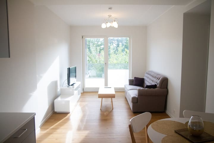 Nice new flat, 5min to  Old Town, FREE PARKING!