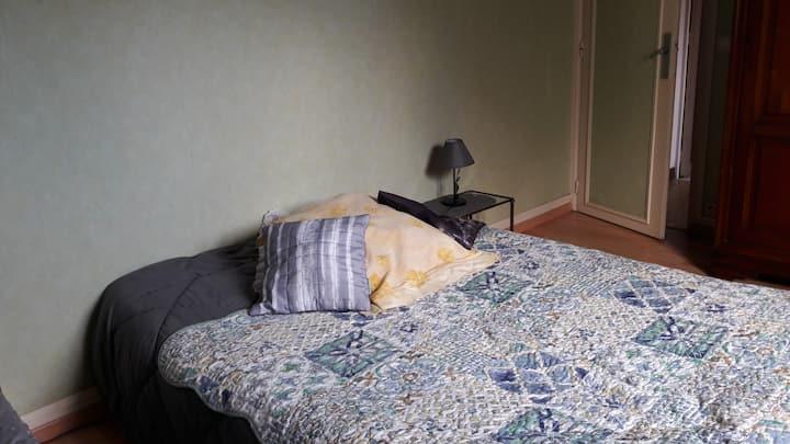 chambre dans maison avec wifi