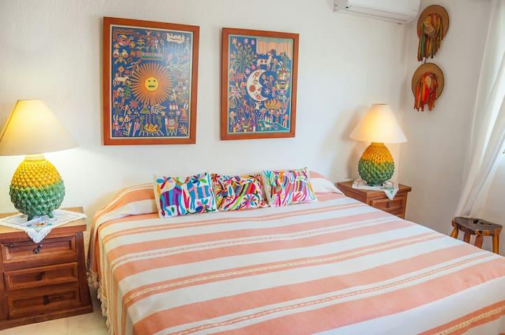 Casa con jardín y bbq para 4 personas en Careyes
