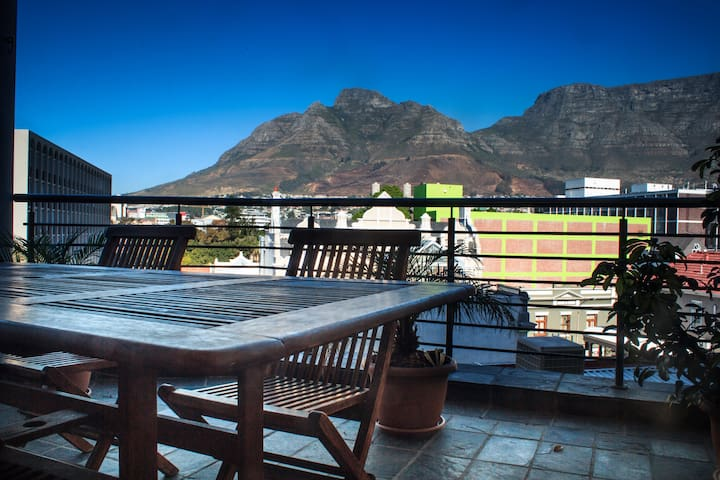 Beautiful views spacious 2 bedroom 2 bathroom home - Cape Town - Serviced apartment
