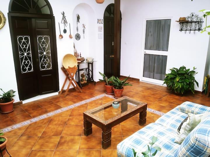 Habitacion con baño privado.Centro de Jerez