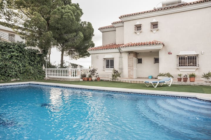 Exquisite Double Room - Pinos de Alhaurín - Bed & Breakfast