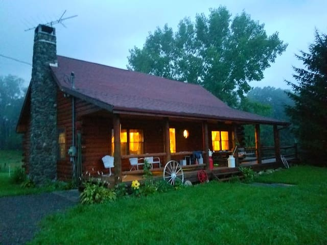 Family Log Home in the beautiful Catskill Mts.