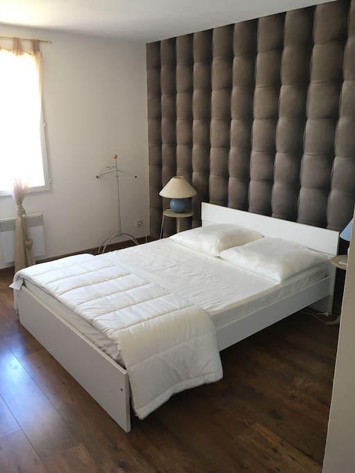 Chambre lit double et clim