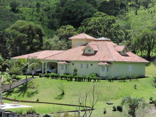 Chácara Paraíso - Pedra Bela - House