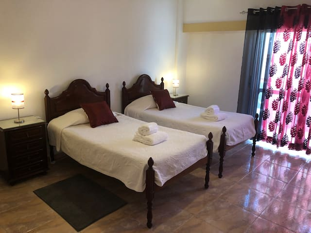 Olinda's Rooms - Twin Room in Lagos City Center