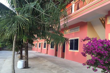 Pink Guest House - Krong Preah Sihanouk - Bed & Breakfast