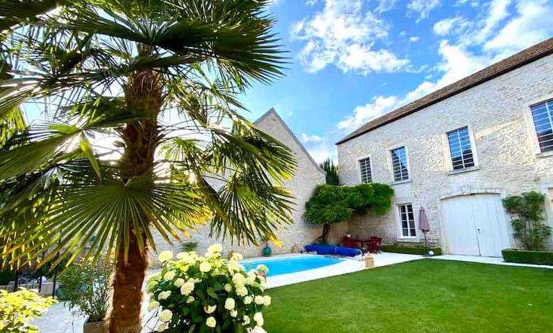 """""""LE JARDIN"""" Meursault, Chambre de charme, piscine"""